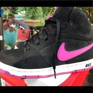 Woman's Nike high tops